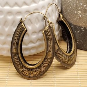 PinkDiva Boutique Jewelry - Long Carved Tribal Antiqued Brass Oval Earrings